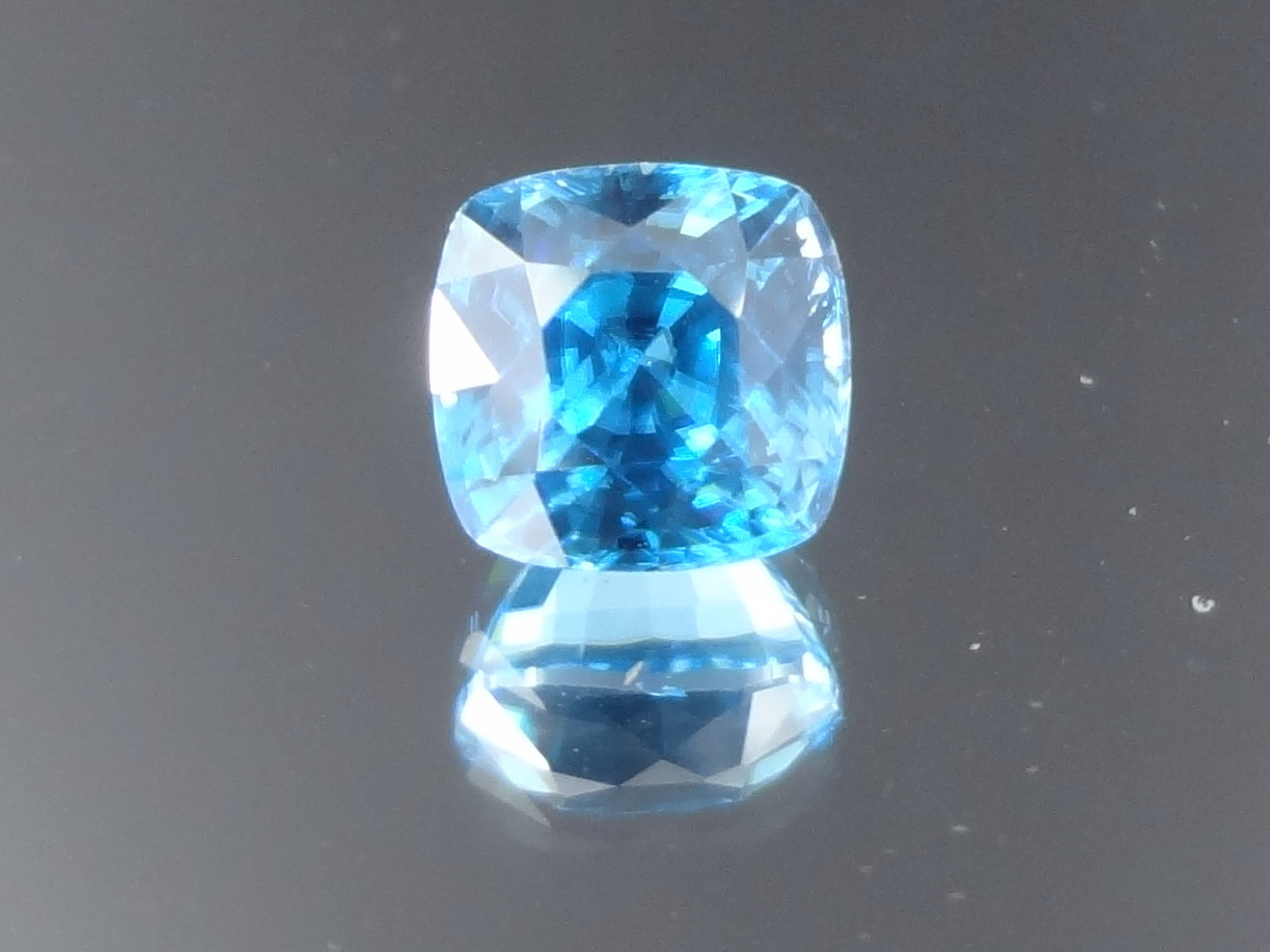 Cheap and quality high hue sky blue Zircon from Cambodia with cushion cut